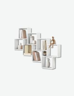 Lauri - Wandregal aus Holzdekor, besteht aus 8 große und 3 kleine Fächer.