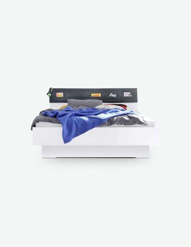 Raila - Fusto letto in legno laminato di colore bianco alpino con testiere in ottica di feltro